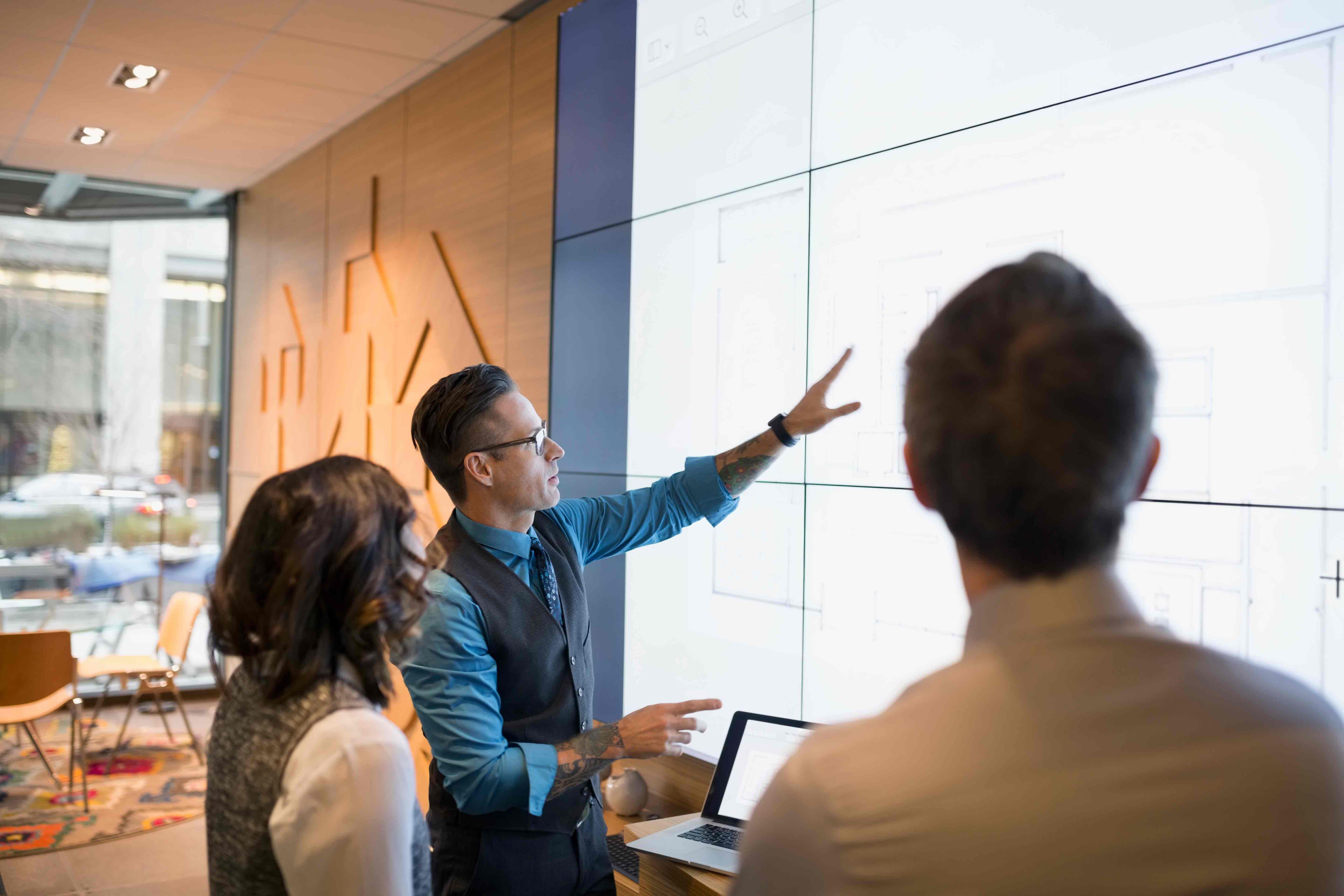 Reportes personalizados que le ofrecen el valioso conocimiento empresarial que usted necesita para la toma de mejores decisiones y con más información